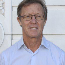 Dr. Darryl Sinclair